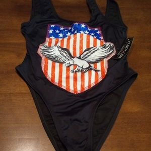 🆕 NWT One piece Swimsuit Size M 🆕